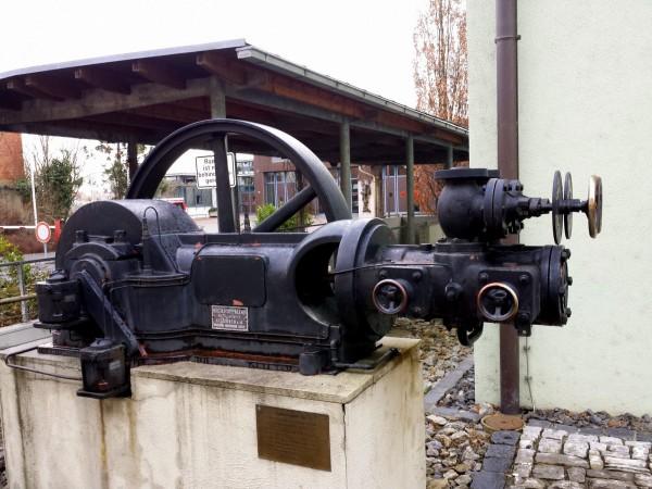 Technikdenkmal neben meinem Parkplatz. Was das ist?