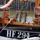 Schiff in Hafen von Övelgönne
