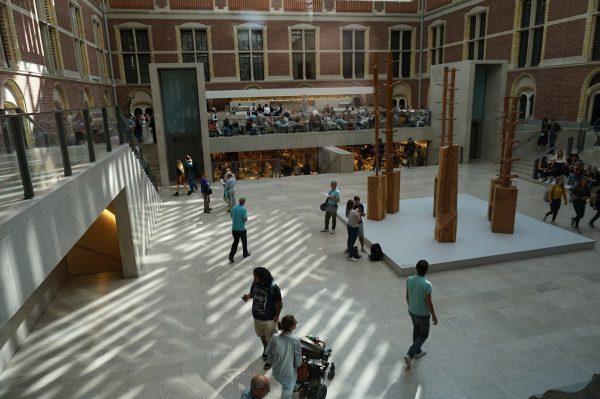 Schattenwurf im Reichsmuseum.